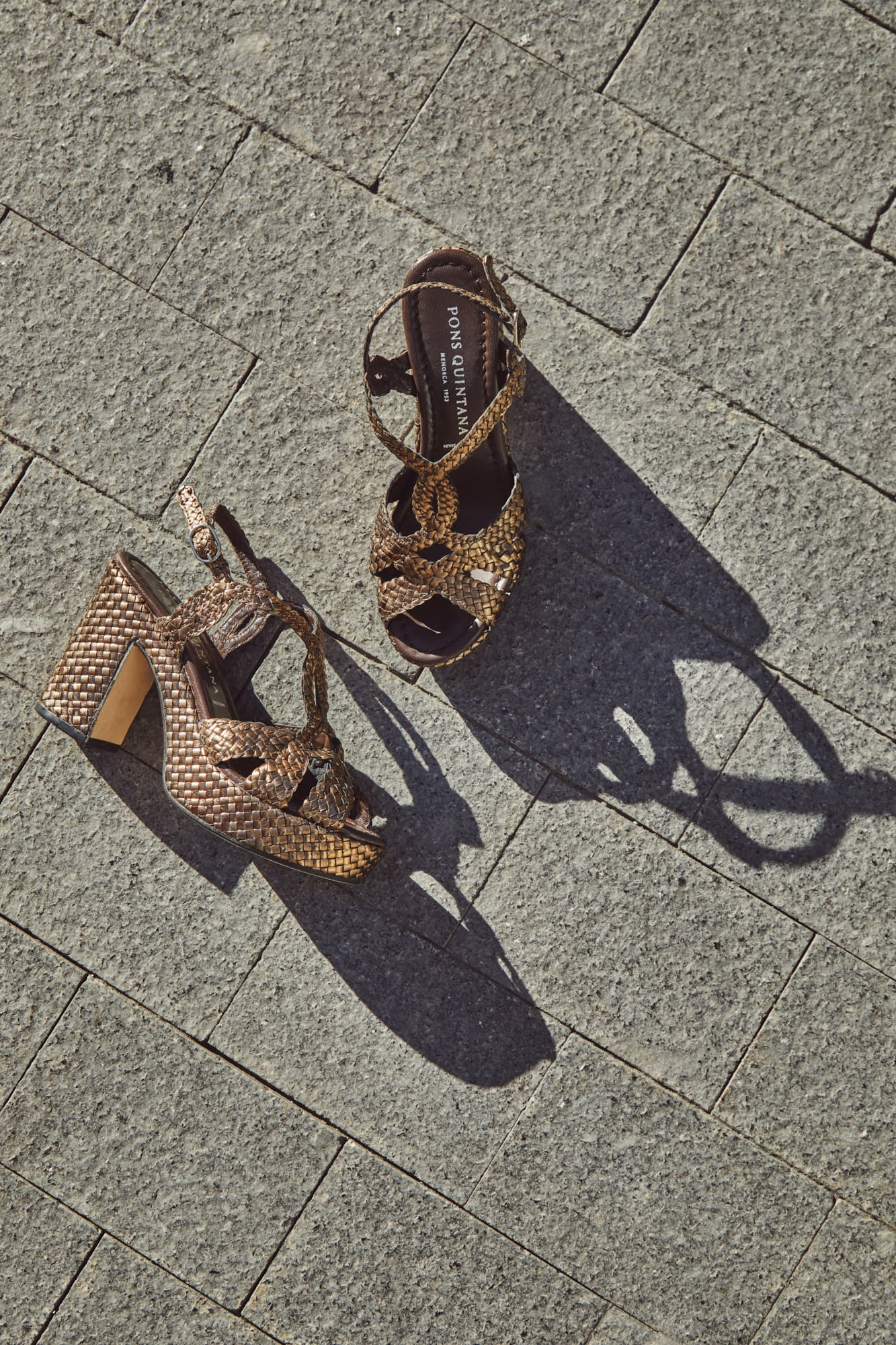 METAL COOPER BRAIDED HEEL SANDAL