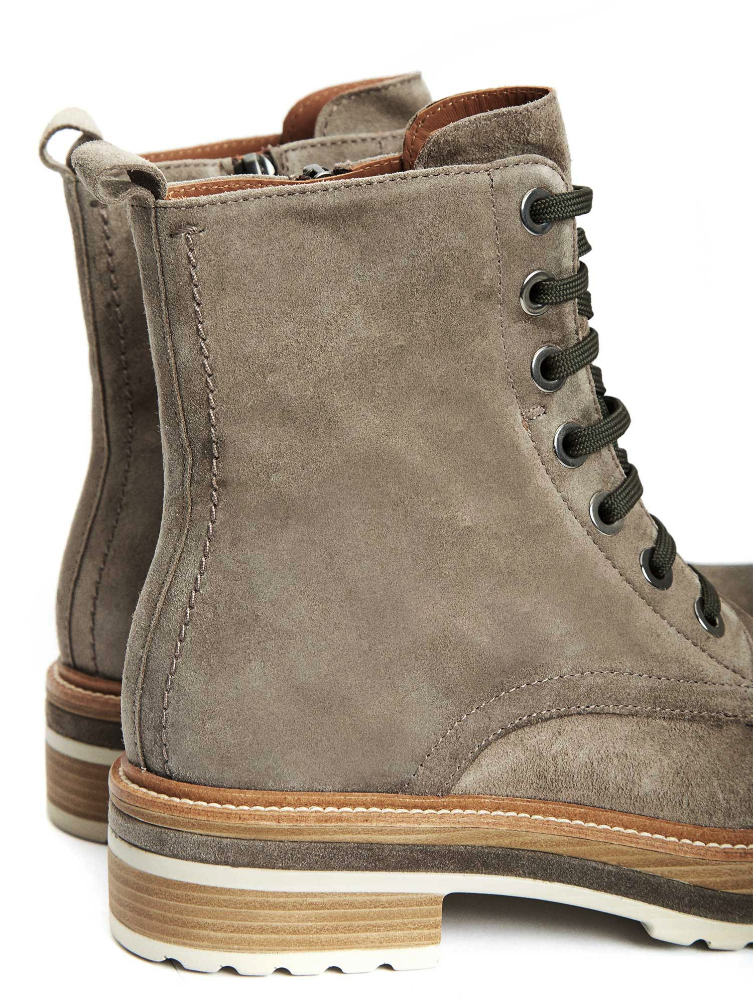 ANDREA LODEN VELOUR ANKLE BOOTS