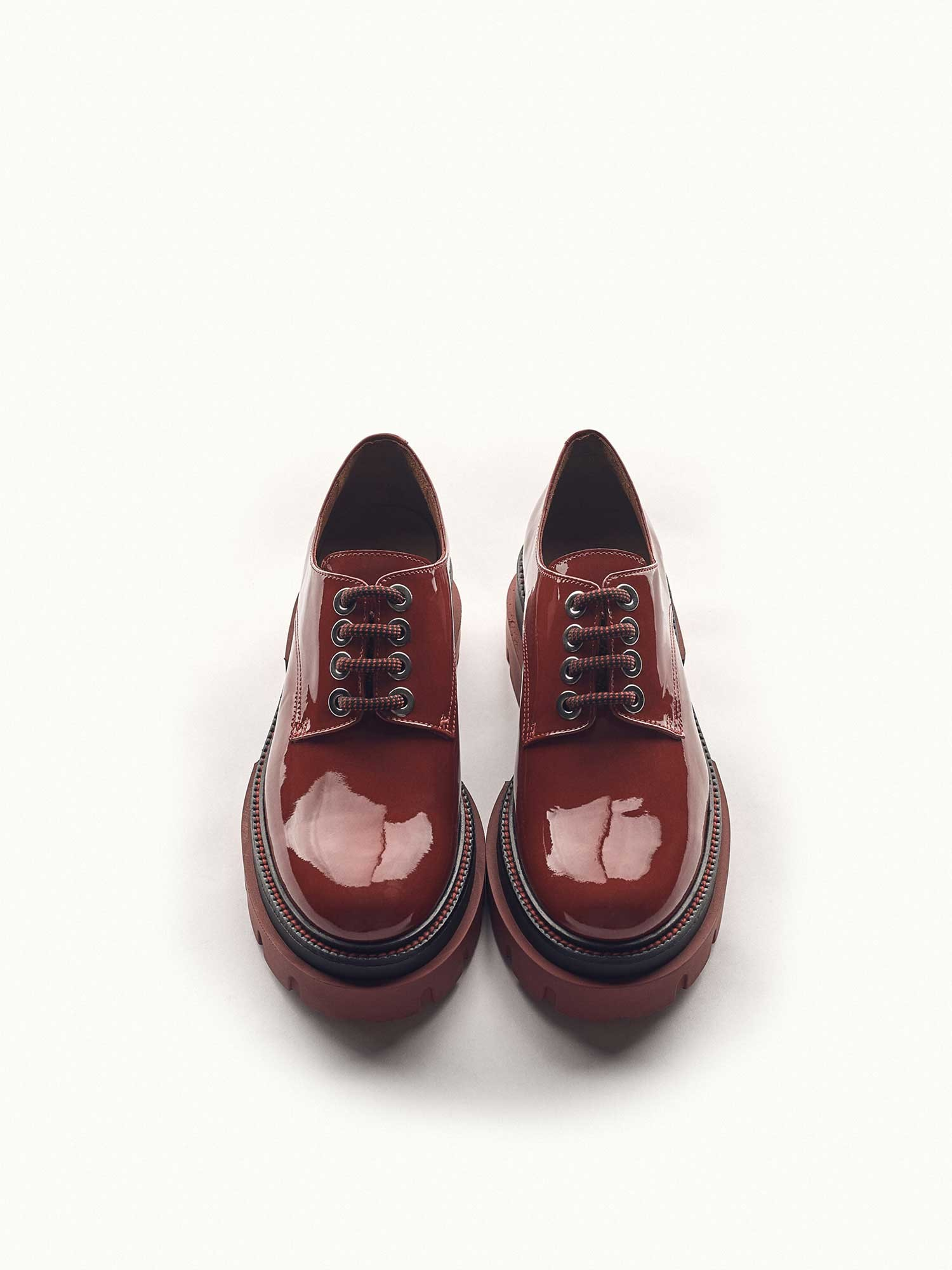 DEBORA LEATHER CHERRY SHOE