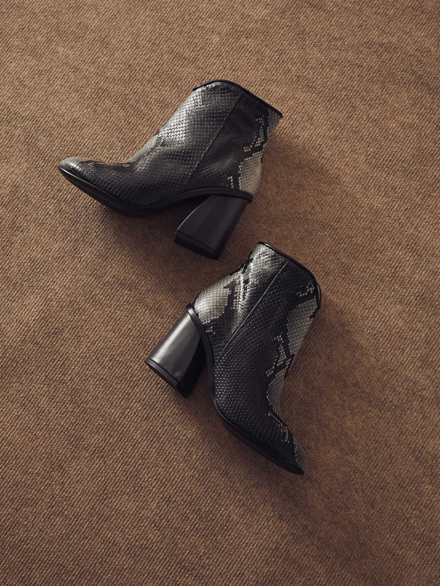 NATALI PYTON ANTHRACITE ANKLE BOOT
