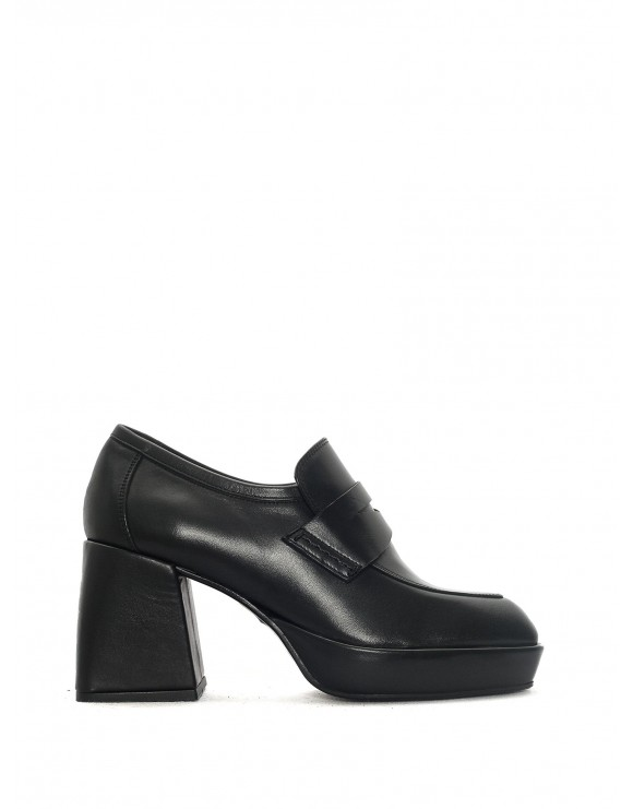 NOELIA BLACK LOAFER SAMPLE